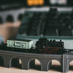 Eisenbahn Modellbau - Zug und Fahrbahn direkt aus dem 3D Drucker